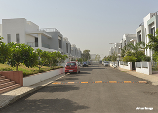 IVY ROW HOUSES PROJECT GALLERY-Road View